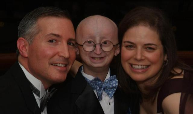 Sam Berns with his parents, Scott Berns and Leslie Gordon
