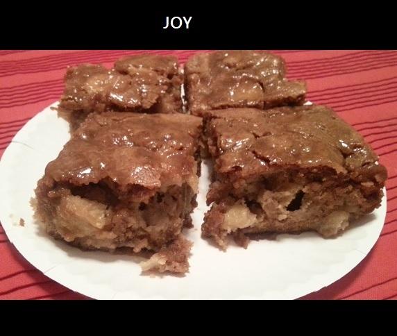 Apple Walnut Cake with Caramel Glaze JOY dan4kent