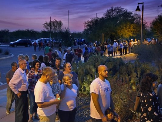 Maricopa Voting Lines Photo_David Kadlubowski_The Republic